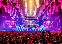 "Dimitri Vegas & Like Mike 'Bringing The Madness 2017 ""Reflections"""